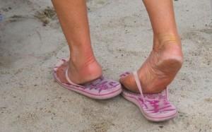 Flip flop loose fitting
